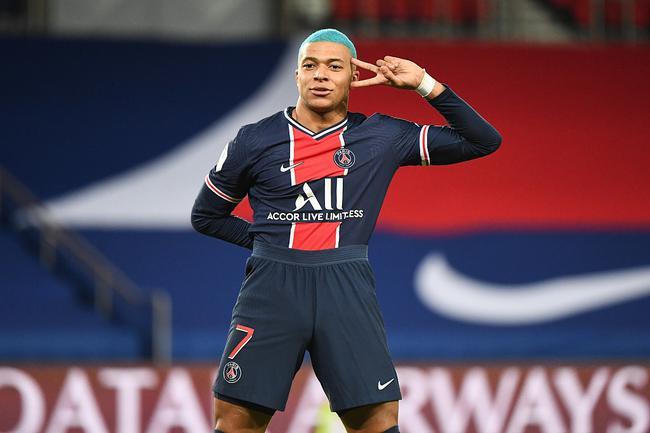 法甲-姆巴佩造点+罚进 拉菲尼亚助攻 巴黎主场2-0