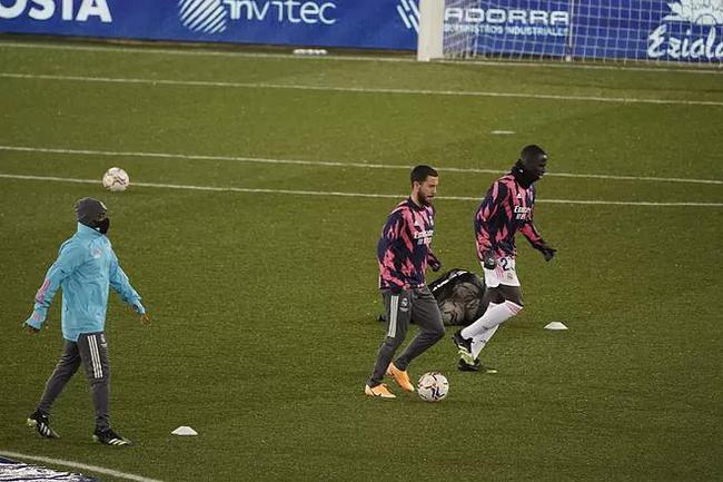 西甲-阿扎尔传射 本泽马2球 皇马4-1终结客场连平