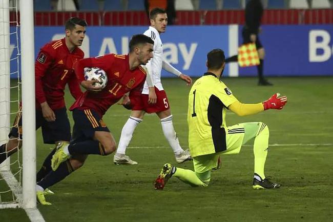 世预赛-曼城边锋扳平 奥尔默补时绝杀 西班牙2-1
