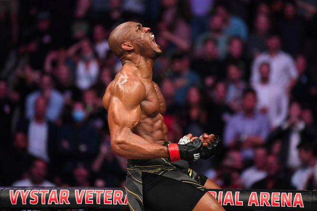 UFC261综述:多幕KO发生 乌斯曼舍甫琴科卫冕