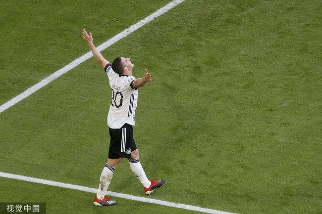 戈森斯造3球助德國隊逆轉