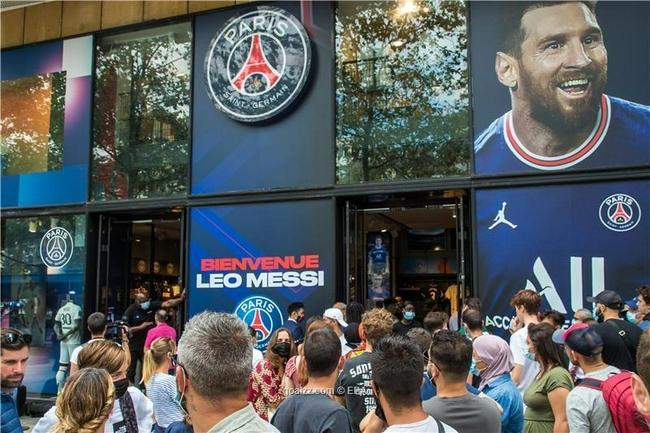巴黎签下梅西计划扩建主场至最多6万人 获当地支持