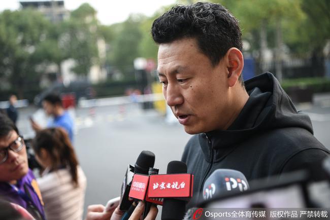 李楠表示将继续年轻化建队思路