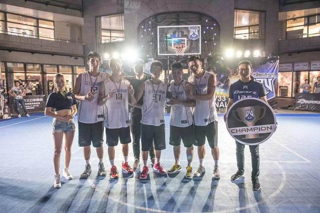 篮球部落队(1号球员)