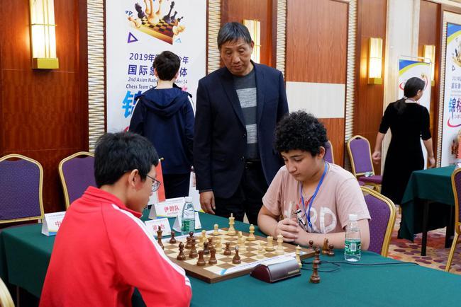 象棋特级大师柳大华现场观战