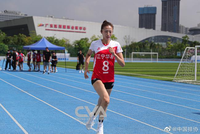 国手回归带热女排全锦赛 李盈莹张常宁引领争冠战