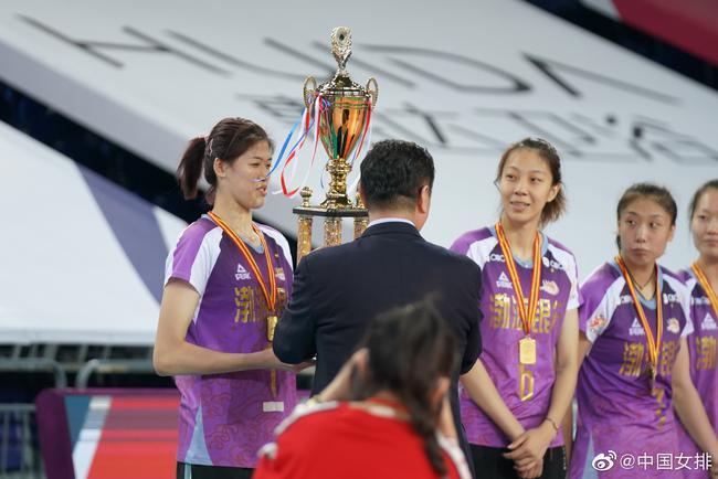 天津女排全锦赛夺冠:体测未影响排名 朱婷或回归