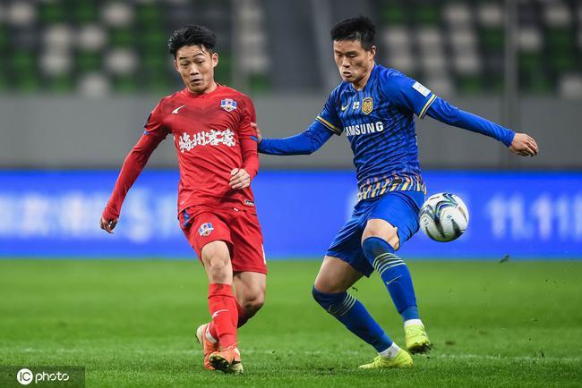 李昂大概率将加盟深圳队 阿德里安有意转投申花