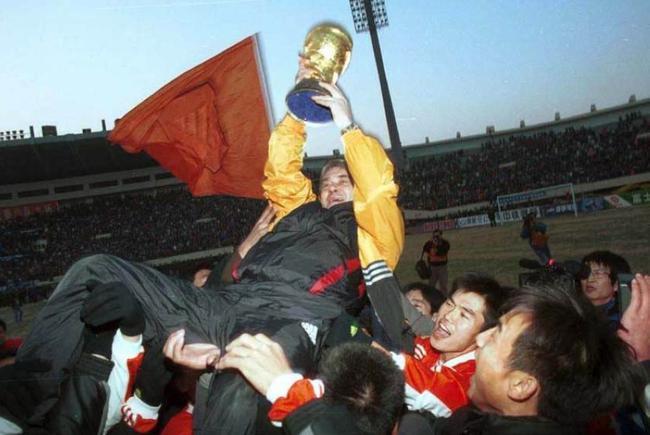 桑特拉奇国际杯后带鲁能拿下双冠王