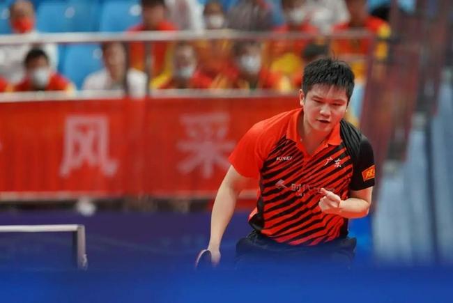 樊振东回应国乒领军人:我成绩也没多好 还要去拼