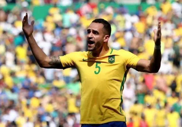 拼了!一日三训!奥古斯托能保住巴西国家队位置吗