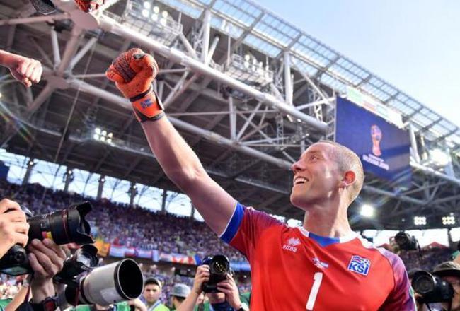 冰岛门将:赛前研究过梅西的点球 他是当世最强