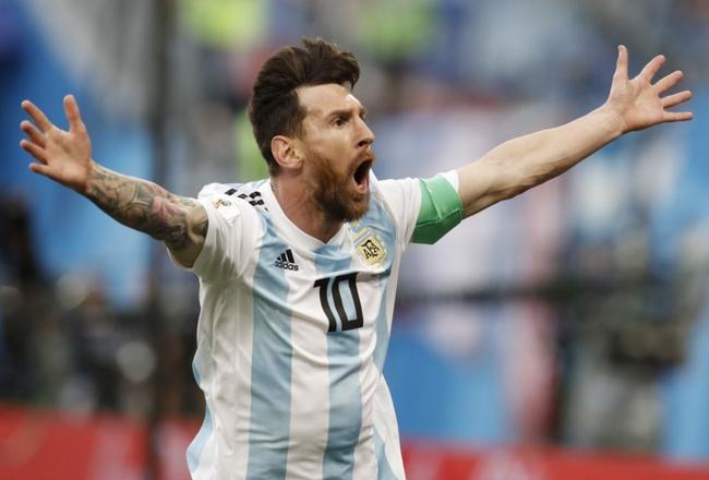 又是梅西帮助阿根廷上演奇迹