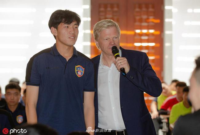 卡恩:守门员少犯几个错误 中国队也许就进世界杯了