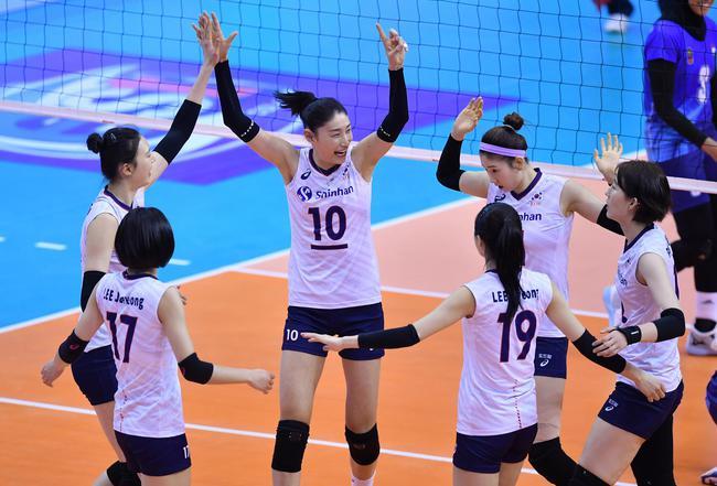 韩国女排3-0(25-18/25-10/25-9)战胜印尼