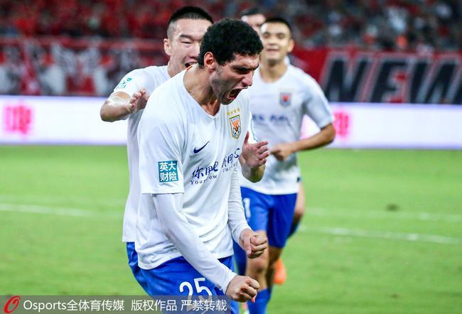 观点:虽然球迷对主裁有质疑 但刘洋红牌并无问题