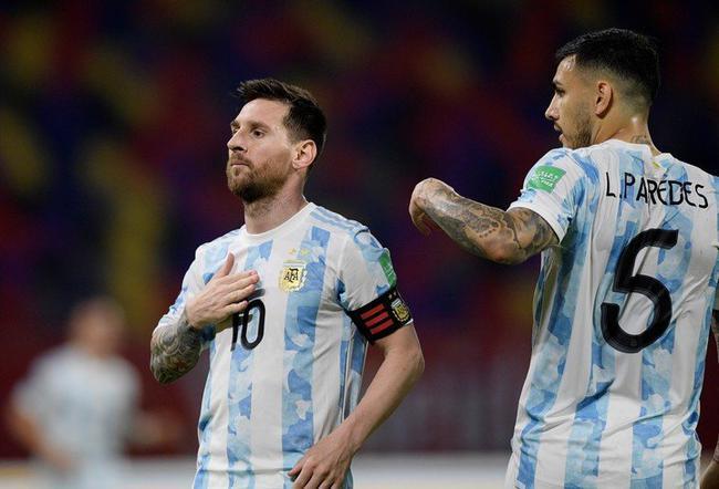 梅西进球后拍打胸脯疯狂庆祝 已为阿根廷打入72球