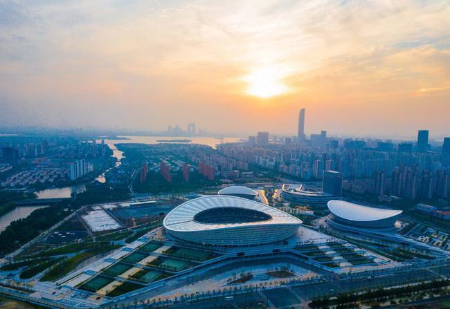 冰壶齐国杯消息公布会正正在苏州财产园区召开