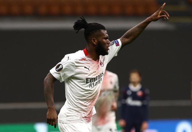 欧联-凯西点射门楣救险 AC米兰主场平红星进16强
