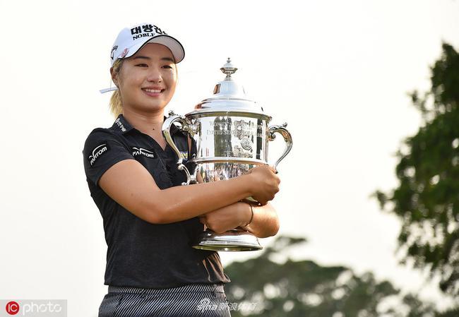 LPGA新秀李晶恩夺得美国女子公开赛冠军