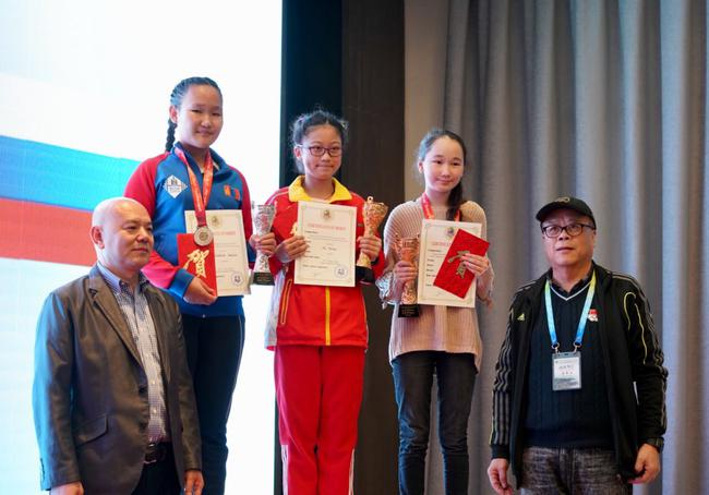 中国棋手邬海澜夺得女子U14组冠军