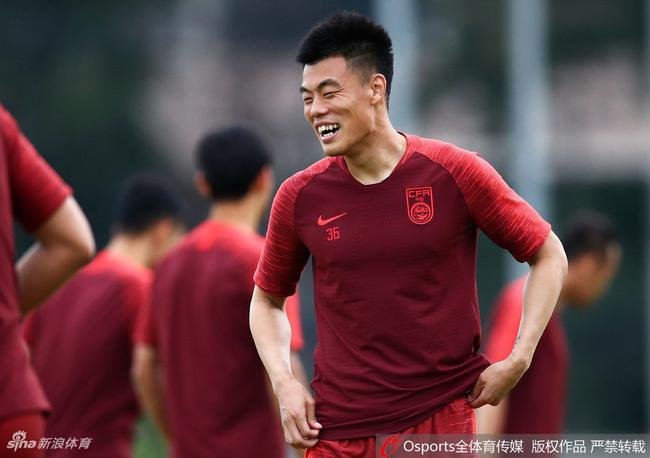 谭龙入选中国杯名单
