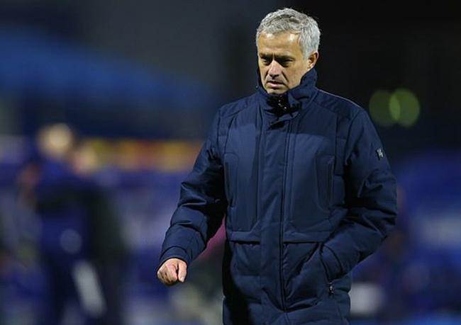 穆里尼奥:不止感到悲伤 去了对手更衣室提出表扬