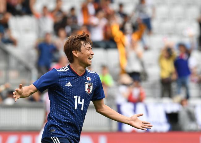 世界杯-乾贵士传射+中楣 日本2度落后2-2塞内加尔