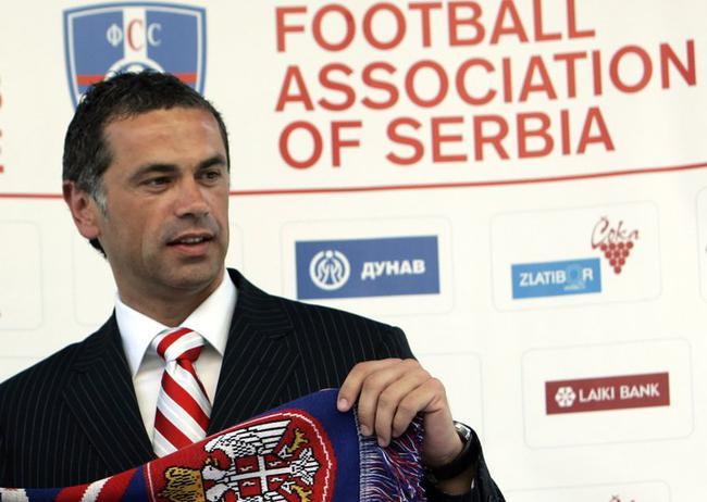 贝尔格莱德红星俱乐部首席执行官兹维兹丹-特尔齐奇