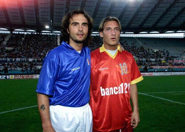 足坛的亦师亦友 C罗梅西的成长离不开他们