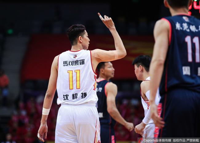 深圳的籃板嚴重失控