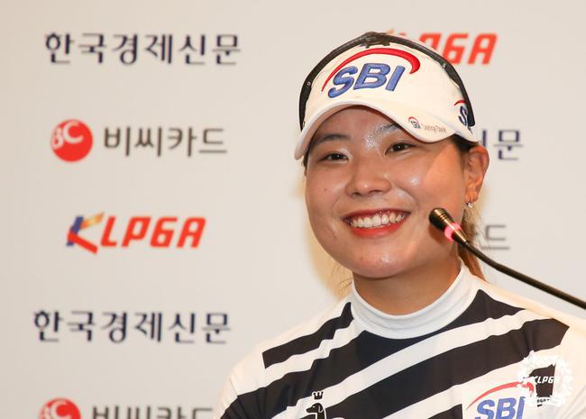 韩巡BC卡女子杯李韶弥领先次轮 金孝周滑落到T2
