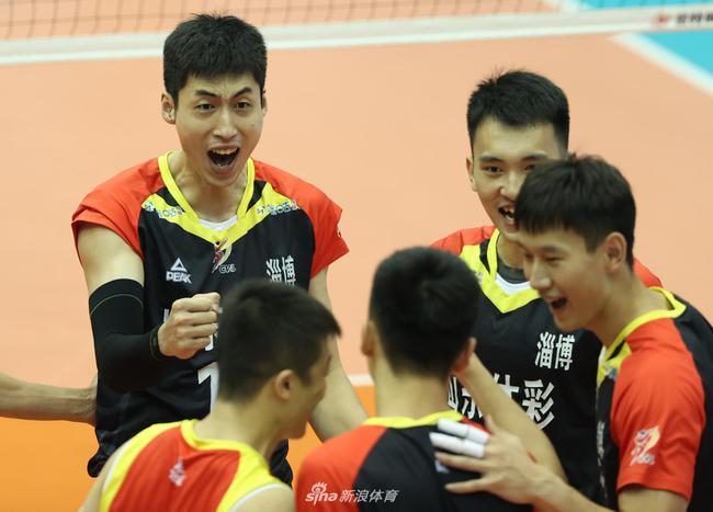 山东男排完胜浙江晋级四强 上届亚军北京男排出局