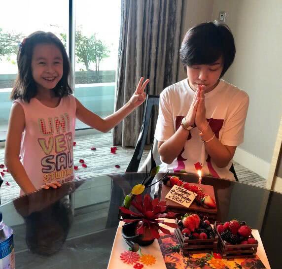 张怡安和女儿