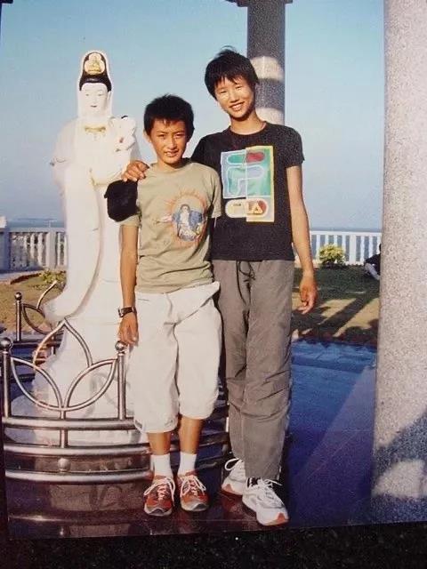 徐莉佳与徒弟张东霜结识(右足球网址徐莉佳)