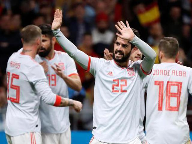 伊斯科戴帽西班牙大胜阿根廷