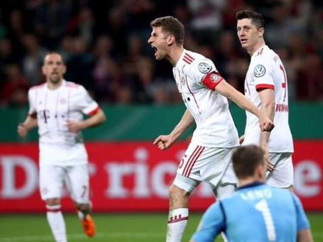 视频集锦-穆勒戴帽莱万2球 拜仁6-2进德国杯决赛