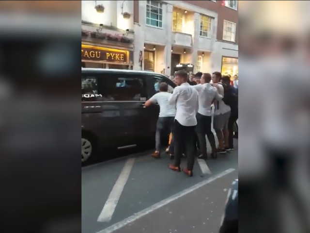 凯恩球场霸气绝杀 英格兰球迷街头狂欢花式作死