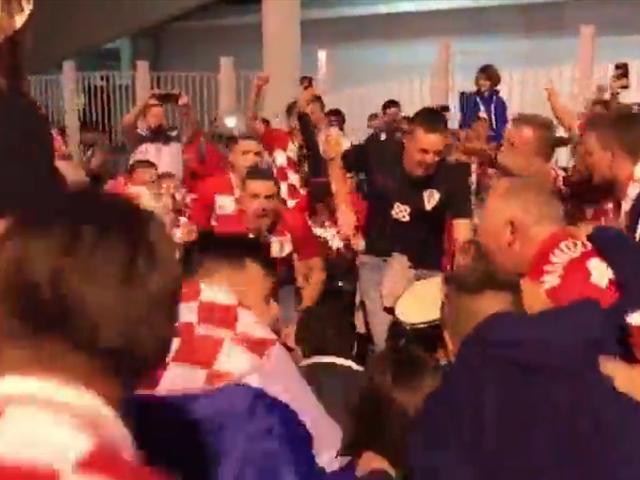 克罗地亚球迷彻夜狂欢