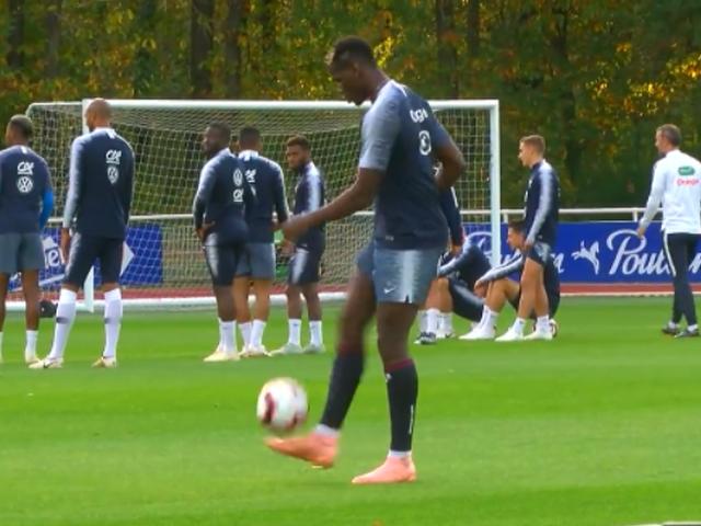 视频-法国队队内训练 趣味抢圈+博格巴秀颠球球技
