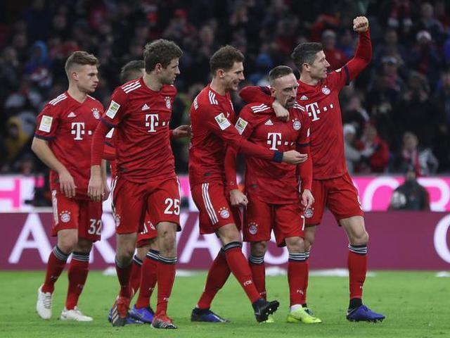 拜仁3-0完胜纽伦堡
