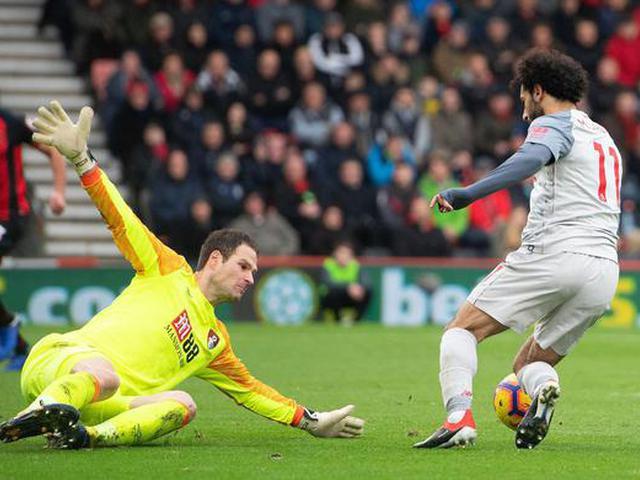 视频-萨拉赫帽子戏法 利物浦4-0大胜跃居榜首