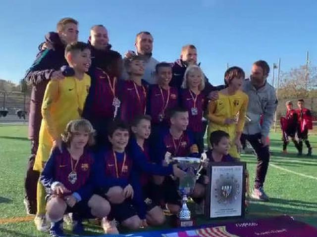 视频-拉玛西亚U10战胜皇马 夺纪念曼努埃尔卢克杯冠军