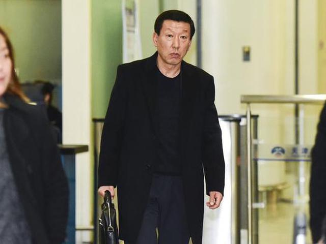 视频-崔康熙被天海要求解约 若留下薪水将削减75%