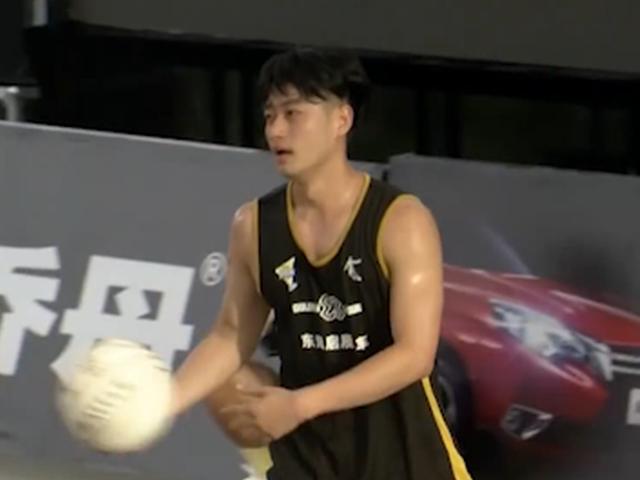 视频-乔丹斗者无畏单挑王海口站 苏子丰零封对手