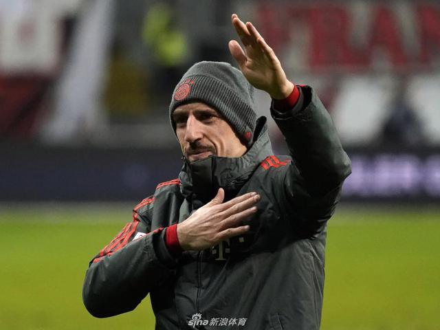 视频-里贝里加盟佛罗伦萨 签约两年职业生涯最后一站