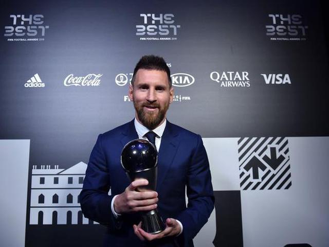 视频-创纪录!梅西压范戴克C罗获第6次世界足球先生