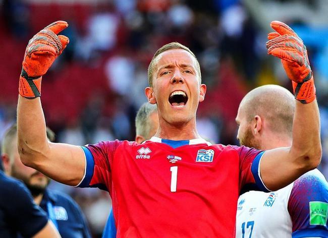 封死梅西的神将喊话中国球迷:请支持冰岛队