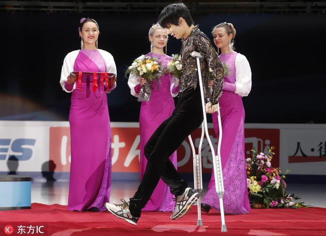 羽生结弦伤重无法站冰上 强行出场展奥运冠军本色
