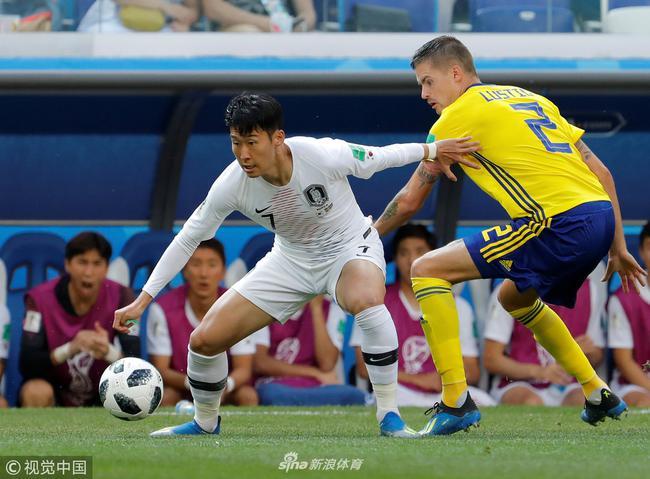 孙兴�O(左)等韩国球员拼尽全力也没能获得进球